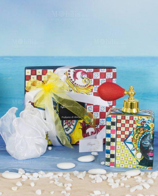 bomboniera bottiglia profumo spray sacchetto bianco e scatola linea baroque and rock sicily red baci milano