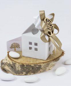 bomboniera casetta cartoncino bianco con fiocchi tortora e ciondolo albero della vita