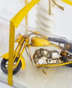 bomboniera modellino moto gialla scatola trasparente nastro giallo
