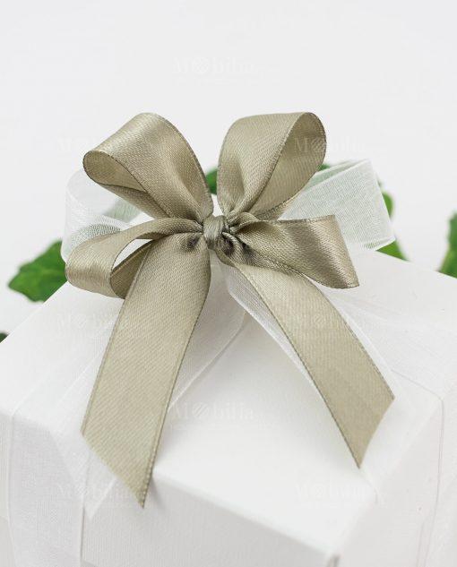 bomboniera portamemo con scatola dettaglio doppio fiocco a 4 tortora e bianco