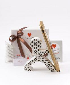 bomboniera portatelefono legno omino bianco con tubicino cuore matto