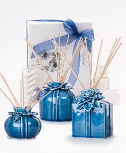 bomboniera profumatore grande medio e piccolo blu con fiore bastoncini scatola e fragranza morena