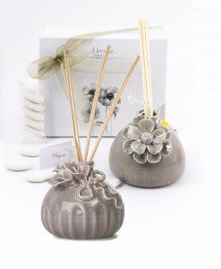 bomboniera profumatore grigio due modelli con fiore morena
