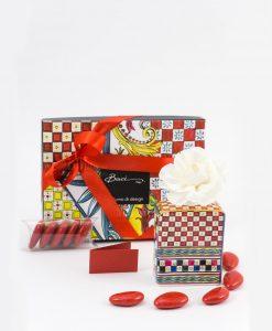 bomboniera profumatore mini 100 ml con fiore confetti nastro e bigliettino rossi linea abroque and rock sicily red baci milano