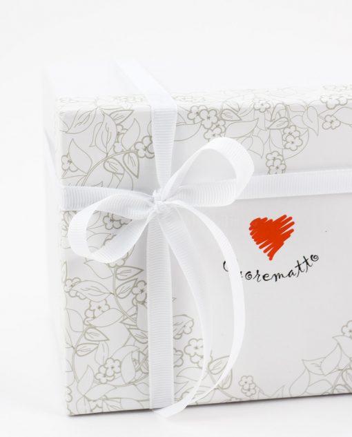 bomboniera profumatore porcellana bisquit dettaglio fiocco nastro bianco cuore matto