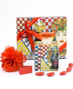 bomboniera profumatore small con fiore sacchettino nastro e bigliettino rossi linea abroque and rock sicily red baci milano
