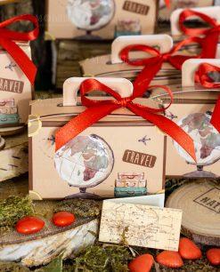 bomboniera scatolina portaconfetti valigia con mappamondo e fiocchetto rosso