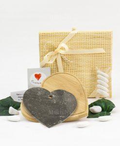 bomboniera tagliere cuore legno bamboo e cuore erdesia con scatola cuore matto
