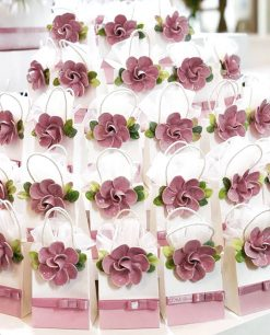 bustina portaconfetti con fiore rosa porcellana capodimonte linea blush rdm design