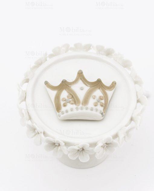 magnete porcellana corona bianca e beige con fiori cherry and peach