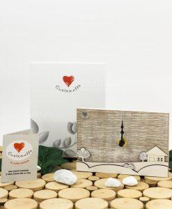 orologio da tavolo rettangolare con casetta legno e alberelli con scatola linea mago di oz cuore matto