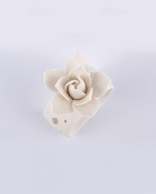 portatovaglioli bianco con rosa bianca