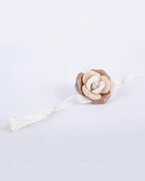 rosa multicolor con nappina
