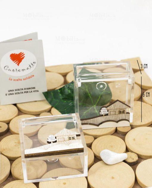 scatolina portaconfetti trasparente piccola 3x3 con casetta legno cuore matto