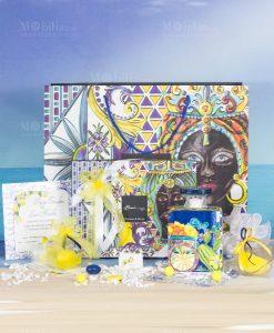 set partecipazione limoni segnaposto saponetta bomboniera bottiglia blu maxi 375 ml baroque and rock sicily baci milano seconda bomboniera saponetta limone con scatola pvc