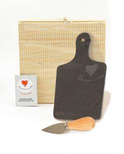 tagliere ardesia rettangolare con coltellino formaggio con scatola bamboo cuore matto