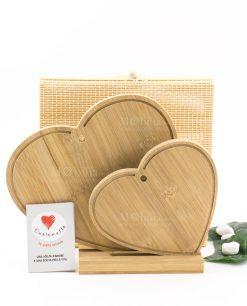tagliere legno bamboo cuore doppio con base per appoggio con scatola cuore matto
