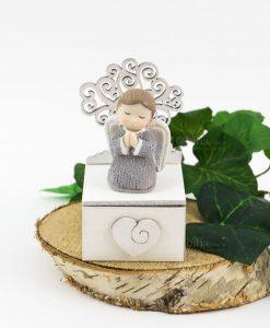 angioletto con albero della vita su scatolina portaconfetti con cassetto cuore