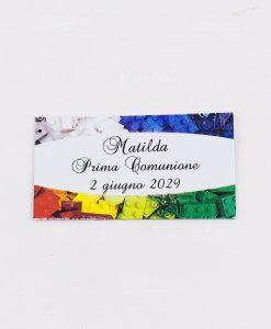 bigliettino bianco con lego colorati