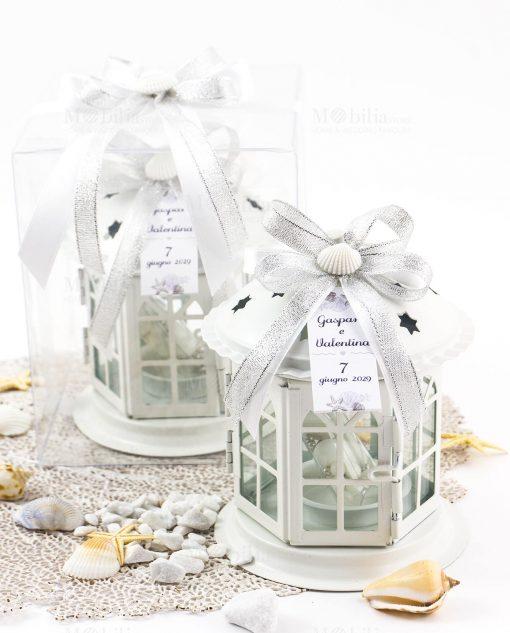 bomboniera lanterna bianca con fiocchi argento e conchiglia