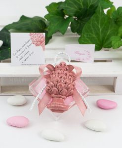 bomboniera magnete pigna rosa ceramica siciliana su scatolina portaconfetti con fiocco abbinato