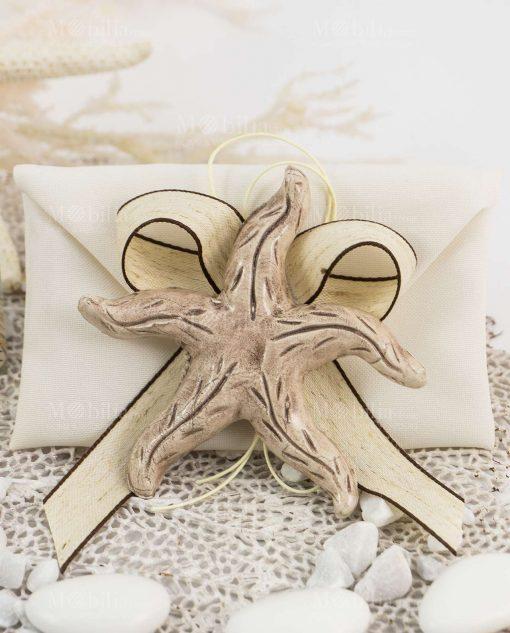 bomboniera magnete stella marina tortora ceramica caltagirone su sacchetto bustina con nastro abbinato