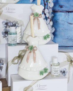 bomboniera profumatore abito bianco fiori verdi con bastoncini e fragranza morena