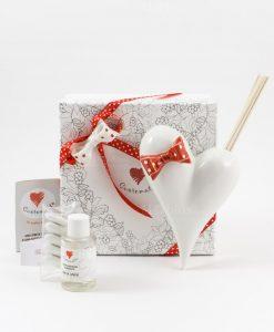 bomboniera profumatore cuore bianco con fiocco rosso a pois bianchi con fragranza e bastoncini confezione lusso cuorematto