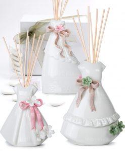 bomboniera profumatore vestito bianco con fiori e nastri 3 misure e modelli con scatola morena