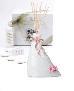 bomboniera profumatore vestito bianco medio con nastro tortora e fiorellini rosa morena