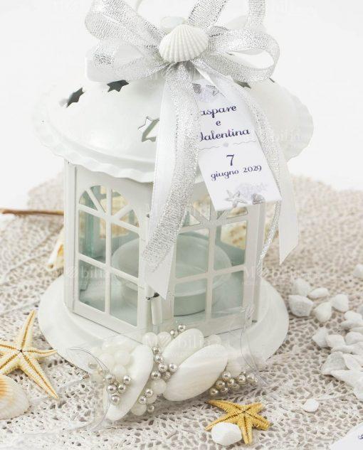 bomboniera tema mare lanterna bianca porta candela con fiocco argento e conchiglia
