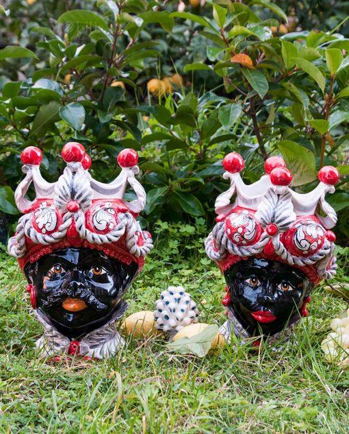 coppia testa di moro uomo e donna con corona bianca e rossa ceramica artigianale caltagirone