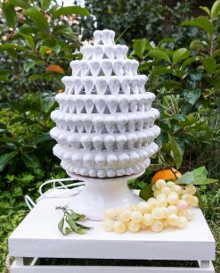 lampada da tavolo pigna bianca ceramica artigianale caltagirone sicilia piccola