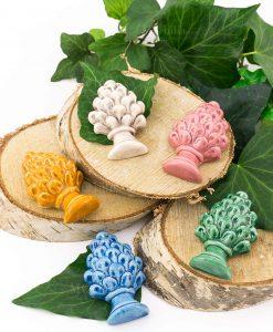 magnete pigna ceramica artigianale siciliana giallo bianco rosa blu e verde 1