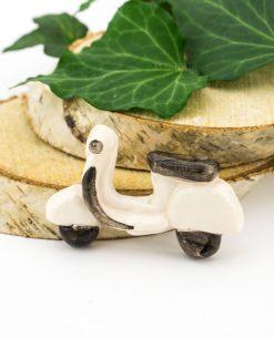 magnete vespa bianca ceramica artigianale siciliana caltagirone