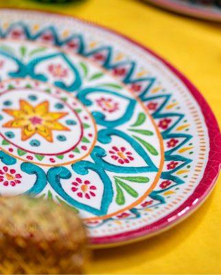 piatto piano con decoro floreale linea maya brandani