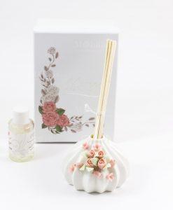 profumatore bianco con roselline bastoncini fragranza e scatola inclusa morena