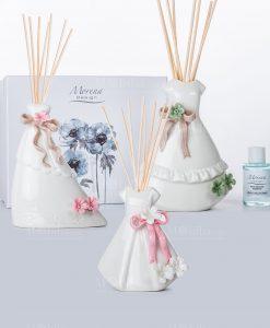 profumatore vestito bianco con fiori e nastri 3 misure e modelli con scatola morena
