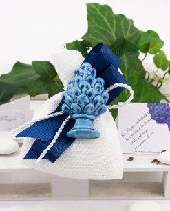 sacchettino con pigna azzurra ceramica di caltagirone con fiocchi grosgrain blu