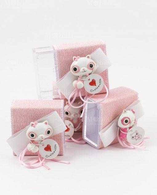 scatolina portaconfetti rosa con applicazione poldina cuorematto