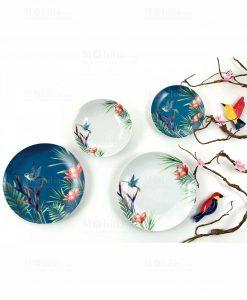 servizio piatti bianco e blu con fiori collezione colibrì villa deste
