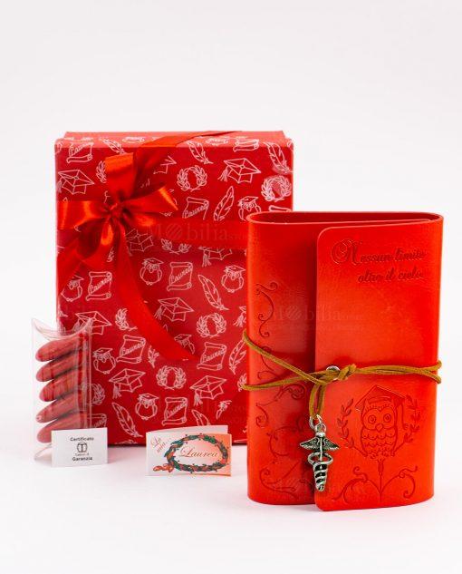 bomboniera agenda notes cuorio rosso con gufo e scritta laccetto e ciondolo esculapio tabor