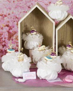 bomboniera ciondolo ballerina forme assortite con Swarovski su sacchetto bianco con pizzo