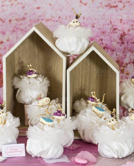 bomboniera ciondolo ballerina forme assortite con Swarovski su sacchetto bianco puff con pizzo