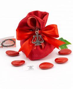 bomboniera ciondolo bilancia microfusione placcato argento tabor su sacchetto portaconfetti rosso rigato