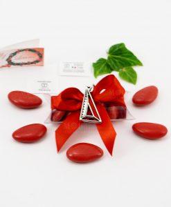 bomboniera ciondolo squadretta microfusione placcato argento tabor su tubicino fiocco e confetti rossi