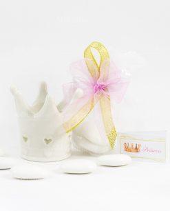 bomboniera coroncina bianca porcellana con cuoricini con tulle fiocco rosa e oro