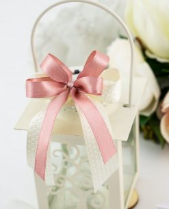bomboniera lanterna bianca albero della vita dettaglio fiocco rosa e bianco