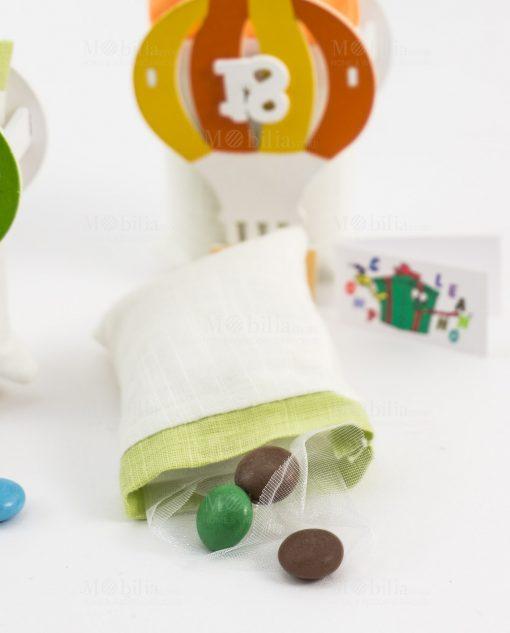 bomboniera mongolfiera colorato con numero 18 dettaglio sacchetto portaconfetti
