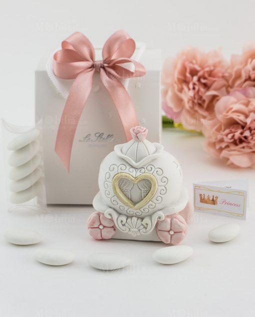 bomboniera salvadanaio carrozza con fiori rosa e cuore bag con fiocco a 4 rosa